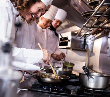 sogeres-cuisinier-restauration-collective